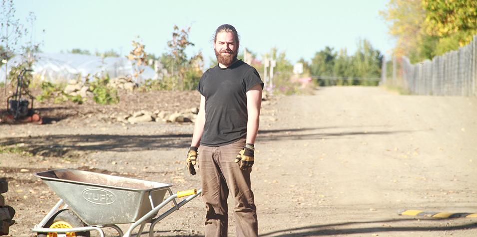 Jonathan Pineault, designer en permaculture, Écomestible